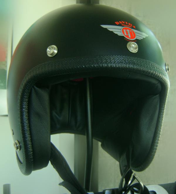 alt=Davida Speedster Helmet - Flat Black
