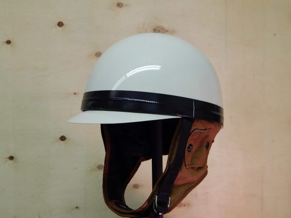 alt=Davida Classic Helmet – Cream with Brim